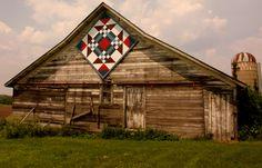 2013 Barn Quilt Tour American Barn, American Quilt, Barn Quilt Designs, Barn Quilt Patterns, Quilting Designs, Country Barns, Old Barns, Country Life, Rustic Barn