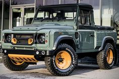 The folks at Kahn Design continue to showcase their customization abilities as they tackled this Land Rover Defender 90 Pick Up truck. Based on the standar