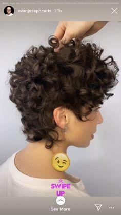 Pixie Cut Curly Hair, Short Curly Cuts, Bob Haircut Curly, Short Curly Hairstyles For Women, Pixie Haircut For Thick Hair, Haircuts For Curly Hair, Curly Hair Tips, Black Curly Hair, Curly Hair Styles