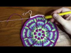 Round by round instructions for an overlay crochet mandala Crochet Mandala Pattern, Crochet Poncho Patterns, Crochet Square Patterns, Crochet Blocks, Stitch Patterns, Knit Crochet, Crochet Instructions, Crochet Videos, Knitting Projects