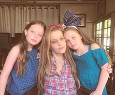 Lisa Marie Presley Brunches With Her Brood - http://celebritybabyscoop.com/2017/09/24/lisa-marie-presley-brunches-with-her-brood?utm_source=Pinterest&utm_medium=Social #Brunch #CelebritySibs #CelebritySisters #Celebritytwins #CelerbityMom #Elvis #ElvisPresley #FinleyAaronLoveLockwood #FinleyLockwood #HarperLockwood #HarperVivienneAnnLockwood #LisaMariePresley #MichaelLockwood #PriscillaPresley #RileyKeough #Twinning #Twins