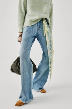 Beatrice .b Fall 2021 Ready-to-Wear Collection | Vogue Denim Ideas, Denim Trends, Fall Fashion Trends, Fashion News, Blue Denim Shirt, Fall Jeans, Denim Outfit, Fashion Show Collection, Vogue