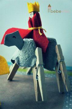 ¡Hasta en camellos de pinzas llegan los Reyes!