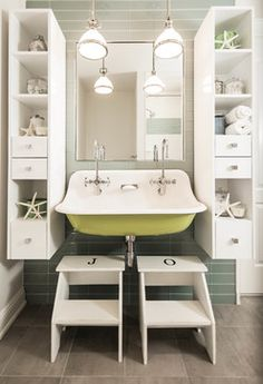 34 Gorgeous Beach Theme Bathroom Decorating Ideas - Do you love to go beach combing? If you like to be by the sea then think about moving into a beach house, your very own home. Consider decorating your. Beach Theme Bathroom, Beach Bathrooms, Bathroom Kids, Small Bathroom, Kids Bath, Modern Bathrooms, Colorful Bathroom, Modern Sink, Bathroom Stools