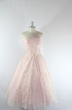 1950's Vintage Prom Dress - PRINCESS Dreamy Lace and Tulle Pink Wedding Prom Party Dress