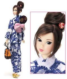 Barbie Dolls : Momoko Doll~ so cute! Doll Toys, Baby Dolls, Steampunk Dolls, Realistic Dolls, New Dolls, Dolls Dolls, Kokeshi Dolls, Barbie World, Barbie Friends