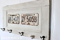 License Plate Coat Rack {vintage goodness} breidawithab.com