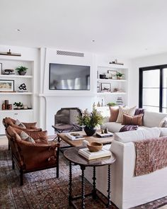 Casual Living Rooms, Living Room Sofa, Living Room Decor, 2 Living Rooms In One Space, Modern Living, Dining Rooms, Living Area, Living Room Furniture Layout, Living Room Interior