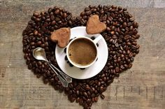 Solve Coffee time jigsaw puzzle online with 96 pieces Coffee Heart, Coffee Girl, My Coffee, Coffee Bean Logo, Coffee Cafe, Mini Desserts, Tag Youtube, Coffee Instagram, But First Coffee