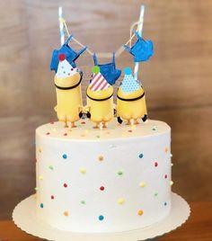 Torta Minion, Bolo Minion, Minion Cupcakes, Cupcake Cakes, Minion Cake Design, Half Birthday Cakes, Farewell Cake, Bolo Mickey, Happy Birthday Minions