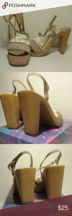"""NIB Chinese Laundry""""Sterling""""  camel leather 8M Beautiful in simplicity, genuine leather and calf hair. Versatile,  comfortable and a steal of a deal, last pair! 4"""" heel, .5"""" platform, size 8 NIB Chinese Laundry Shoes Heels"""