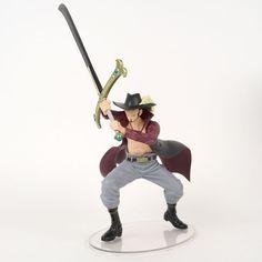 One Piece: Dramatic Showcase Dracule Mihawk Figure