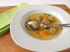 A levesbetétek finomabbá és kiadósabbá teszik az egyes fogásokat. Következzen néhány népszerű fajta! Cheeseburger Chowder, Soup, Ethnic Recipes, Soups