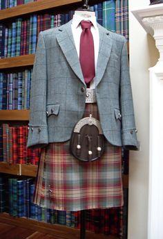 Kilt in Auld Scotland tartan from Lochcarron