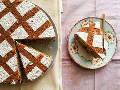 ΦΑΝΟΥΡΟΠΙΤΑ   Pastry...tsio Pie, Bread, Desserts, Blog, Torte, Tailgate Desserts, Cake, Deserts, Fruit Cakes