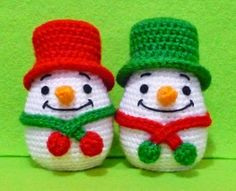 Crochet Egg Egg Warmer Snow man on Christmas - Finish Item Crochet Christmas Decorations, Christmas Crochet Patterns, Crochet Decoration, Holiday Crochet, Christmas Knitting, Christmas Toys, Christmas Snowman, Handmade Christmas, Xmas
