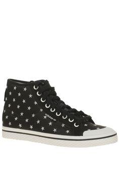 wholesale dealer fa475 b5541 Zapatillas de Adidas con estampado de estrellas Pantuflas, Estrellas,  Zapatillas, Cosas Bonitas,