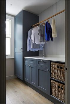 Stylish laundry hanging rails that I wish were mine There's some. Stylish laundry hanging rails that I wish were mine There's something very appealing about a simple timber rod for hanging laundry. Mudroom Laundry Room, Laundry Room Layouts, Laundry Room Remodel, Small Laundry Rooms, Laundry Room Organization, Laundry In Bathroom, Laundry Decor, Laundry Room Cabinets, Boot Room Utility