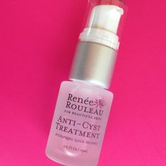 Anti -Cyst Treatment by Renée Rouleau is a powerful spot treatment for healing cystic acne, blemishes and sore bumps deep under the skin. Acne Treatment At Home, Cystic Acne Treatment, Spot Treatment, Acne Out, Greasy Skin, Pimples, Acne Blemishes, Acne Scars