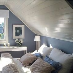 Classy Bedroom Wall Decor Ideas to Style Up Your Space - The Trending House Slanted Ceiling Bedroom, Home, Home Bedroom, Bedroom Design, Bedroom Loft, House Interior, Small Bedroom, Blue Bedroom, Bedroom