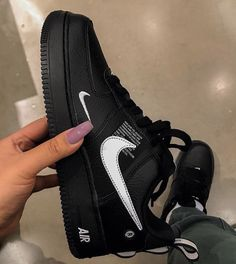Different Types Of Sneakers Tenis Nike Casual, Sneakers Fashion, Shoes Sneakers, Nike Air Shoes, Fresh Shoes, Hype Shoes, Custom Shoes, New Shoes, Black Shoes