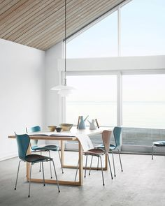 All about Essay™ | CM 42 by Fritz Hansen on Architonic. Find pictures & detailed information about retailers, contact ways & request options for Essay™ | CM 42 here!