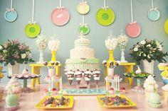 Festa infantil tema Confeitaria | Macetes de Mãe Festa Party, Birthday, Cake, Kids, Party Ideas, Industrial Kids Decor, Kids Part, 3 Year Olds, Fiestas