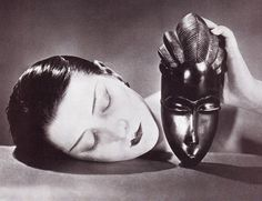 Black and White by Man Ray, New York representant of the Dada movement, published in french Vogue in The beauty of Kiki de Montparnasse is overwhelming and i was mesmerized by this picture. Lee Miller, Marcel Duchamp, Georges Braque, Takashi Murakami, Harlem Renaissance, Magritte, Alexander Calder, Man Ray Photographie, Vintage Photography