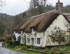 Cottage in Dunster – Ann Flotte - Wohnwelt English Country Cottages, English Country Gardens, Cute Cottage, Cottage Style, Fairytale Cottage, Cabins And Cottages, Unique Cottages, Cottage Homes, Cottage Gardens