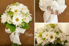 wedding colors with blue Lakeside Wedding, Rustic Wedding, Wedding Day, Wedding Stuff, Daisy Bouquet Wedding, Bride Bouquets, Orlando Wedding Photographer, Amazing Flowers, Wedding Colors