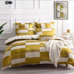 The Rowan Yellow quilt cover Set is sure to lift any bedroom. Featuring Yellow with specks of silver on a linen backdrop....#quiltcovers #doonacovers #superkingquiltcovers #superkingbedlinen #bedlinen #linen #bedding #kingsheets #superkingsheets #quiltcover #homedesign Navy Quilt, Black Quilt, Superking Bed, Yellow Quilts, King Sheets, Quilt Cover Sets, Queen Beds, Bedroom Decor, Bedroom Ideas