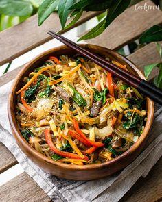 Japchae (Korean Stir-Fried Glass Noodles) - Cookerru Stir Fry Glass Noodles, Korean Glass Noodles, Korean Sweet Potato, Korean Dishes, Korean Food, Marinated Beef, Asian Recipes, Ethnic Recipes, Asian Foods