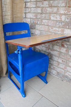 Old school desk. Old School Desks, Old Desks, Furniture Makeover, Diy Furniture, Old Things, Things To Come, Student Desks, Desk Chair, Boy Room
