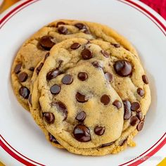 With a few easy tips, the classic Nestle Toll House Cookie recipe goes from good to great! Your friends and family will all want your making cookie secrets! Nestle Chocolate Chip Cookies, Semi Sweet Chocolate Chips, Toll House Chocolate Chip Cookie Dough Recipe, Tollhouse Cookie Recipe, Cookie Recipes, Dessert Recipes, Delicious Desserts, Cookie Calories, The Best