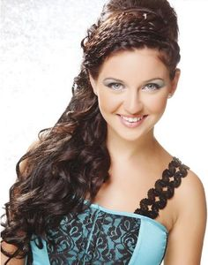 Find the prom hairstyle that make you unique from others. Feel beautiful, look beautiful with Prom Hairstyle and sprinkle with your charming smile in the colorful party. Read more on...