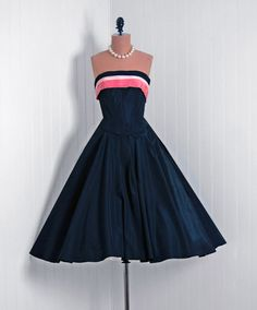 1950's Vintage Black & Pink Silk-Taffeta Couture Low-Cut Plunge Strapless Nipped-Waist Rockabilly Full Circle-Skirt Back-Sash Party Dress