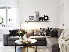Small and simple taupé living room. Taupe Living Room, Living Room Interior, Home Living Room, Living Room Decor, Boho Deco, Open Space Living, Creative Home, Contemporary Decor, Interior Design