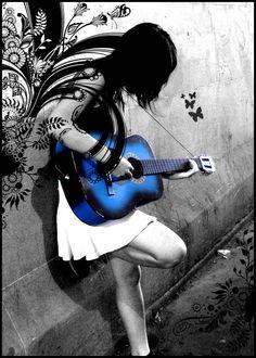 wonderthinkanswer:    invisiblemeans:    mono-girl:    abcbabcba:    tantarotaro:    choccoto:    aurorae:    kako:    blue_guitar_by_mysticblu3.jpg(via xtc)