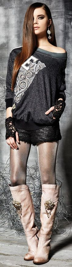 Daniela Dallavalle / Elisa Cavaletti FW-15: sweater, shorts, crochet gloves, boots.
