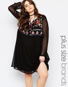 Vestido amplio con bordado de Boohoo Plus