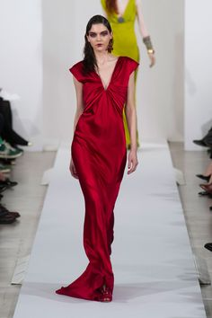 Oscar de la Renta at New York Fashion Week Fall 2013 - StyleBistro