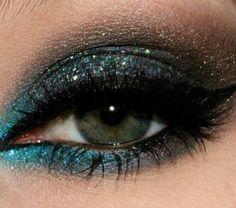 Blue Glittered Smokey Eye Makeup