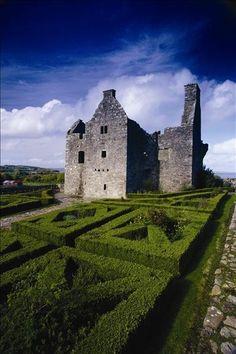 Tully Castle Northern Ireland Beautiful Castles, Beautiful Places, Emerald Isle Ireland, Amazing Places On Earth, Castles In Ireland, Ireland Travel, Ireland Uk, Irish Sea, Castle Ruins