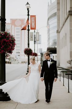 A long-distance relationship leads to a chic wedding at Peabody Opera House.