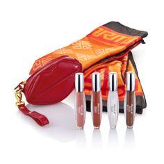 Starcollection Honeymoon Plus (www.ricardam.com) - Diese pflegenden Lipglosse sorgen für volle, sinnliche Lippen mit einem Hauch von Farbe und wunderschönem Glanz. Die feinen Glitzerpartikel schenken funkelnde Akzente für einen glamourösen Effekt. Mit animierendem Duft nach Mocha Coffee oder Mocaccino - für einen verführerischen Schmollmund und einen frischen Teint mit dem schmeichelnden Seidentuch in Orange.