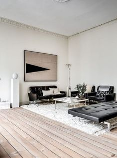 Living Room : Turn of the century home with stylish details - via Coco Lapine Design Living Room Interior, Home Decor Bedroom, Living Room Decor, Contemporary Interior Design, Home Interior Design, Modern Interior, Living Room Designs, Living Spaces, Living Area