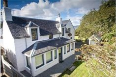 Willowbank Cottage  Broadford, Isle of Skye, The Highlands (Sleeps 1 - 8) .Travel. Cottages. Self Catering. UK. Scotland. Seals. Beach.