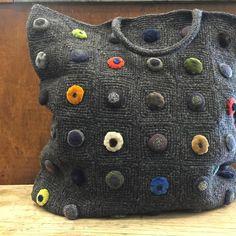 ou guessed it, New Sophie Digard has arrived Crochet Home, Crochet Crafts, Crochet Projects, Knit Crochet, Crochet Beach Bags, Tote Bags Handmade, Diy Handbag, Unique Purses, Freeform Crochet