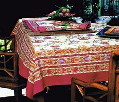 44 exciting printed tablecloths images table top covers rh pinterest com