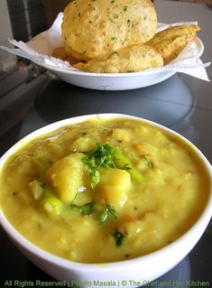 Methi Poori and Potato Masala.a Classic Combo! Methi Recipes, Chapati Recipes, Veg Recipes, Indian Food Recipes, Vegetarian Recipes, Cooking Recipes, Recipies, Snack Recipes, Vegetarian Curry